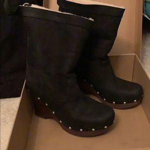 New Ugg Wedge Boots